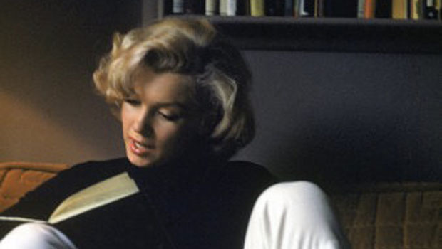 Bibliophile_th_Marilyn Reading
